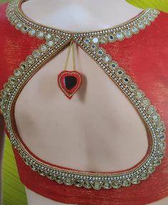 Simple Blouse Designs, Blouse Back Neck Designs, Bridal Blouse Designs, Embroidery Neck Designs, Embroidery Blouses, Aari Embroidery, Mirror Work Blouse Design, Indian Jewellery Design, Jewelry Design Earrings