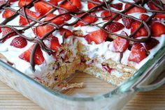 Ingredients: 3 lbs. fresh strawberries, sliced 2 (8 oz.) tubs fat-free whipped topping (or use regular or light) 1 (14.4 oz.) box graham crackers 1/4 cup milk chocolate chip morsels Directions: 1. Spread a small amount of whipped