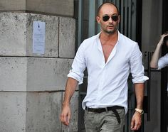 Style Icon - Milan Vukmirovic (Trussardi Creative Director) - Part 2 Tommy Ton Men, Milan Vukmirovic, Bald Men Style, Milan Fashion, Mens Fashion, Fashion Menswear, 50 Fashion, Street Fashion, Outfits Hombre