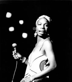 American pianist and jazz singer Nina Simone performs October 1964 in an unidentifed location. Simone, whose deep, raspy voice made her a unique jazz figure and later helped chronicle the civil. Get premium, high resolution news photos at Getty Images Nina Simone, Simone Biles, Soul Jazz, Josephine Baker, Queen Latifah, Pierce Brosnan, Divas, Tina Turner, Mick Jagger