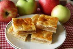 streusel Apple pie from pot batter Quark Recipes, Gourmet Recipes, Apple Bars, Apple Pie, Apple Square, Cheese Squares, German Baking, Austrian Recipes, Cheese Pumpkin