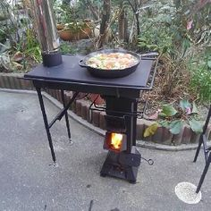 I stumbled upon this video while browsing Facebook, it is a rocket stove with attachments, first the stove like table with the chimney, but the fabricator Mr. Sugiura, has a square or an arch type oven that go on top the rocket stove replacing that stove top.The craftsmanship is amazing, it is simple, functioning and just beautiful.    // via Facebook