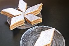 m.bucataras.ro Vegan Foods, Vegan Recipes, Cooking Recipes, Cake Recipes, Dessert Recipes, Desserts, Romanian Food, Romanian Recipes, Food Cakes