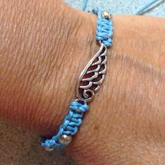 My new obsession...knotted bracelets