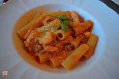 Rigatoni with Shrimp-Red Bell Pepper Sauce