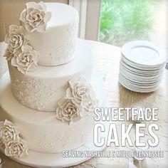 White Gardenia Wedding Cake — Round Wedding Cakes