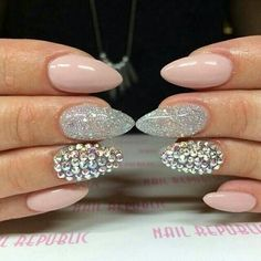 Love the nude pink silver glitter rhinestone stilleto shape nails♡♡♡