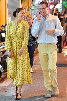 Daniel and Victoria of Sweden Victoria Prince, Princess Victoria Of Sweden, Princess Estelle, Crown Princess Victoria, Chic Outfits, Pretty Outfits, Prince Héritier, Sweden Fashion, Style Royal