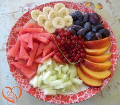 Fantasia di frutta estiva http://www.cuocaperpassione.it/ricetta/79221f4c-9f72-6375-b10c-ff0000780917/Fantasia_di_frutta_estiva