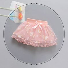 1 million+ Stunning Free Images to Use Anywhere Baby Girl Birthday Dress, Birthday Dresses, Little Girl Dresses, Girls Dresses, Fashion Kids, Girls Fashion Clothes, Little Girl Fashion, Baby Skirt, Baby Dress