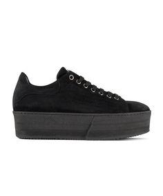 GRUMMAN sneaker for comfy & stylish walks. New Sneakers, All Black Sneakers, Walks, Corner, Comfy, Stylish, Shoes, Fashion, Moda