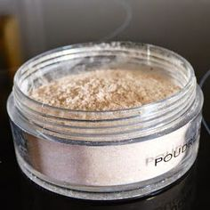 For years, I put the foundation and a little powder on my face to matify and give me good looks. I buy my powder to … Make Beauty, Natural Beauty Tips, Organic Beauty, Beauty Care, Homemade Beauty Recipes, Homemade Beauty Products, Healthy Beauty, Health And Beauty, Homemade Primer