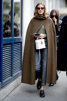 ♥️ Pinterest: DEBORAHPRAHA ♥️ Olivia palermo wearing a cape at fashion week