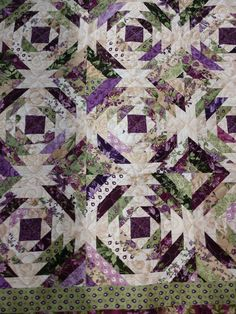 I think everytime I post a quilt, I say it is my favorite, this is my favorite so far lol Shades Of Purple, Green And Purple, Pineapple Quilt Pattern, Poplar Bluff, Quilting Board, Traditional Quilts, Vintage Quilts, Fabric Scraps, Blossoms