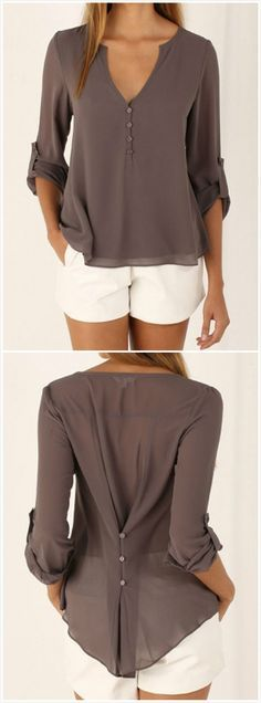 Looking for ideas on what to wear for summer? What are the latest summer fashion trends for women? We have a collection of fabulous and trendy summer clothes for women. Mode Outfits, Casual Outfits, Summer Outfits, Casual Shirt, Beach Outfits, Summer Clothes, Winter Clothes Women, Summer Pants, Beach Dresses