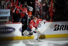 Love! Holtby takes the stage!
