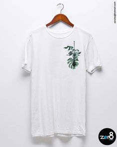"Zero8 creative studio on Instagram: ""Novas ideias para sua marca !👊🔥🌿🌊 💡@zero8studio #sup #summer #beachlife #graphicdesigner #estampas #style #obondenaopara #balanceofmind"" Mens Tee Shirts, Cool T Shirts, Surf Design, Shirt Print Design, Creative Studio, Printed Shirts, Graphic Tees, Casual, Menswear"