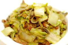 To celebrate Chinese New Year, I finished off my hunk of Fatted Calf slab bacon by making a Napa cabbage stir fry with diced bacon, thinly sliced onions and cremini mushrooms. Doesn't sound like a Chinese dish to you? Tough. Gung Hay Fat Choy, buddy. Serves 4 Ingredients: ½ cup diced bacon 1 small onion,...