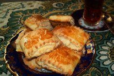 Азербайджанская кулинария насчитывает несколько видов кяты. Самые популярные - Бакинская, Карабахская, Нахичеванская. Они отличаются рецептурой приготовления.…