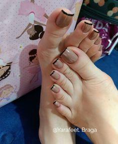Nude com francesa preta amei😀😀🤗🤗🤗💙💙💙👌👌 footfetishnation feetlove piedini feetstagram lovefeet prettyfeet prettytoes barefeet… Aycrlic Nails, Sexy Nails, Manicure And Pedicure, Hair And Nails, Toenails, Minimalist Nails, Pretty Toe Nails, Gorgeous Nails, Nail Swag