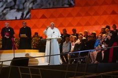 Breaking News: Pope Francis meets with victims of sexual abuse and vows accountability : The New York Times - 9/27/15