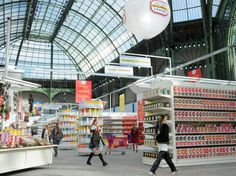 Chanel AW14: Karl's Supermarket Sweep