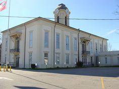 Monroe County Court House (Aberdeen, Ms.) by bamaboy1941, via Flickr