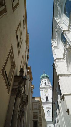 Passau, Germany. Love the narrow streets! | Ashley Colburn Productions