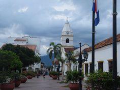 Colombia - Valledupar, también llamada Ciudad de los Santos Reyes del Valle de Upar, Cesar.