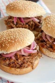 Boat Food – Pulled Pork BBQ Have you ever had eastern Carolina Pulled Pork BBQ? Its certainly a treat. I grew up on it and must have it frequently. If you must have some….well then find yourself a 5 quart crock pot, a pork shoulder, some apple cider vinegar and get to cooking! Us folks …
