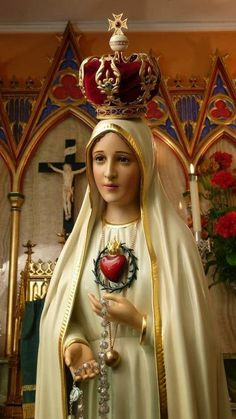 Our Lady of Fatima has asked us to pray the rosary every day. She loves us! Mother Mary Images, Images Of Mary, Blessed Mother Mary, Blessed Virgin Mary, Religious Icons, Religious Art, Immaculée Conception, Hail Holy Queen, Hail Mary