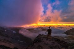 An evening in the clouds. Landscape photography definitely has its moments. The thrill of the image making process from start to finish is always an adventure! Sometimes if you are lucky you will even walk away with a compelling image and a story that goes along with it.      #traveloregon #bestoforegon #oregonexplored #upperleftusa #pnwcollective #thatpnwlife #pnw #northwestisbest #earthfocus #oregonnw #pnwonderland #pacificnorthwest #earthofficial #cascadiaexplored #discoverearth #pnwlife…
