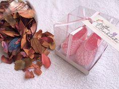Sapatilha Rosa com detalhes na sola com mini pérolas. www.elo7.com.br/grethaborboleta & www.facebook.com/grethaborboleta