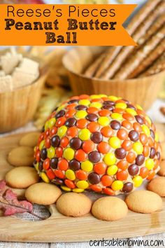 Create A Fun, Fall Treat When You Make This Reese's Pieces Peanut Butter Ball Recipe. Made With Cream Cheese And Peanut Butter As Well As Reese's Peanut Butter Cups.Yum, It's Sure To Delight The Peanut Butter Lovers In Your House. Fall Appetizers, Appetizer Recipes, Dessert Recipes, Reese's Recipes, Appetizer Party, Fun Desserts, Sweet Recipes, Fall Snacks, Fall Treats