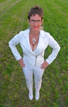 Hay Boys Come And Such My Tit's. Jane Moore, Silk Satin, Women's Leggings, White Jeans, Poses, Sexy, Leather, Stilettos, Facebook