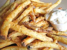 The award-winning buttermilk fries at Hyde Park Bar and Grill are delicious! Hyde Park B is located at 4206 Duval St. in a converted house and offers gourmet American fare. French Fry Sauce, French Fries Recipe, Hyde Park, Grilling Recipes, Cooking Recipes, Skillet Recipes, Cooking Gadgets, Burger Recipes, Potato Recipes