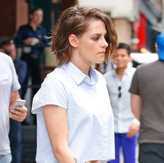 Kristen Stewart Masters the Art of the Midday Hair Switch