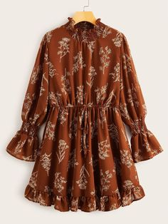 To find out about the Plus Plants Print Shirred Detail Chiffon Dress at SHEIN, part of our latest Plus Size Dresses ready to shop online today! Stylish Dresses, Casual Dresses, Short Dresses, Summer Dresses, Party Dresses, Ruffle Dress, Chiffon Dress, Chiffon Fabric, Ruffle Trim