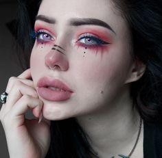 unicorn Pagan / E-Mädchen Red Make-up Nose Makeup, Punk Makeup, Witch Makeup, Makeup Art, Fairy Makeup, Mermaid Makeup, 1990s Makeup, Rockabilly Makeup, Eyeliner Makeup