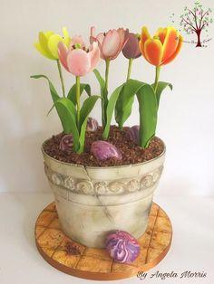 Pot of Tulips by Blossom Dream Cakes - Angela Morris (Cool Cakes Unicorn) Tulip Cake, Floral Cake, Bolo Fondant, Fondant Cakes, Beautiful Cakes, Amazing Cakes, Realistic Cakes, Fantasy Cake, Mothers Day Cake