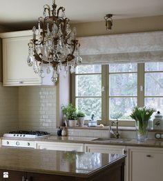 Klasyczna kuchnia w beżowej oprawie. - zdjęcie od LUSH Design - Kuchnia - Styl Klasyczny - LUSH Design