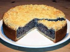 Juicy poppy seed cake with shortcrust pastry and crumble .- Saftiger Mohnkuchen mit Mürbeteig und Streusel… Juicy poppy seed cake with shortcrust pastry and crumble … - Pie Recipes, Dessert Recipes, Vegan Desserts, German Baking, German Cake, Poppy Seed Cake, Shortcrust Pastry, Food Cakes, Sweet Cakes