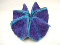Origami felt kaleidocycle.  Neato!