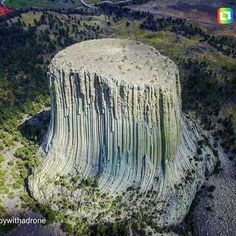 Science Discover Devil& Tower Wyoming - Ancient tree turned into rock. Beautiful World Beautiful Places Foto Nature Formations Rocheuses Giant Tree Natural Phenomena Jolie Photo Natural Wonders Amazing Nature Beautiful World, Beautiful Places, Foto Nature, Formations Rocheuses, Giant Tree, Ancient Mysteries, Jolie Photo, Natural Phenomena, Places Around The World