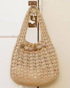 Crochet Patterns Bag crochet bag - like that the handles just keep going from the bag sides Crochet Purse Patterns, Bag Crochet, Crochet Shell Stitch, Crochet Market Bag, Crochet Handbags, Crochet Purses, Craft Bags, Knitted Bags, Crochet Accessories