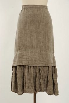 linen skirt--I like how it is more fitted on top, then gathered full below, so it's flattering and still has fun movement.