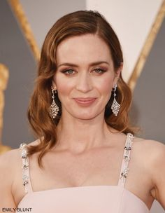 HOLLYWOOD, CA - FEBRUARY 28: Actress Emily Blunt attends the 88th Annual Academy Awards at Hollywood & Highland Center on February 28, 2016 in Hollywood, California. (Photo by Jason Merritt/Getty Images)