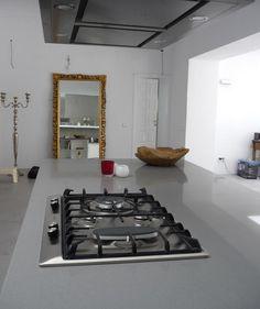 Silestone Gris Expo kitchen