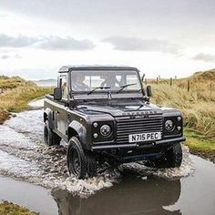 Meet, Nelly the #defender90 by @lochsidelassie #landrover #landroverdefender #landroverphotoalbum