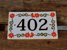 Simone Milak - Cerâmica de Ateliê: Placas com numeração
